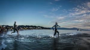 """Tiene 45 años, es """"profe"""" del Janssen y corrió y terminó el triatlón Iron Man en Florianópolis"""