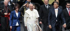 El Papa Francisco llegó a Ecuador en el inicio de su gira por Sudamérica