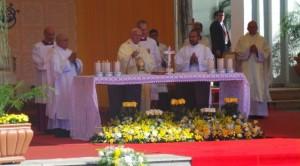 El Papa preside la misa en Caacupé