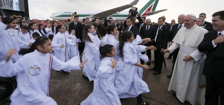 #FranciscoenParaguay: el Papa ya está en suelo paraguayo