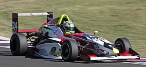 Fórmula Renault 2.0: Rudito terminó 13º en la segunda carrera en San Luis