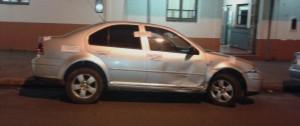 Policía secuestraron un vehículo adulterado