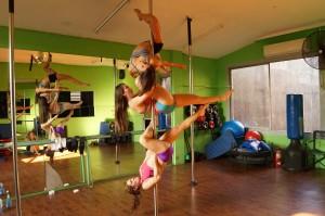 Pole Fitness una divertida forma de modelar el cuerpo y sentirse bien