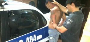 Lo pescaron rompiendo el portón de una casa y el intento de robo le costó la detención