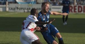 Con triplete del Pulga Rodríguez, Atlético Tucumán goleó 3 a 0 a un Guaraní que se hunde más
