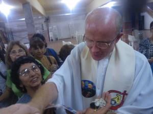 El padre Heinz Kulüke superior de los verbitas celebró una multitudinaria misa en Posadas