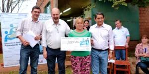 Franco y Lichowski entregaron nuevos créditos del Consorcio Posadas Produce