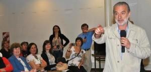 Charla acerca de celiaquía con el gastroenterólogo Cueto Rua