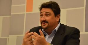 Desde las 23 el gobernador Closs en Debate sobre el Futuro, por Cablevisión