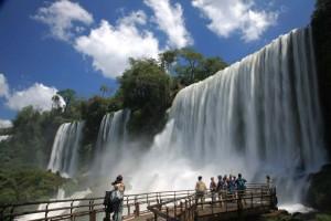 Cataratas del Iguazú: un viaje imperdible a uno de los escenarios más imponentes de América del Sur