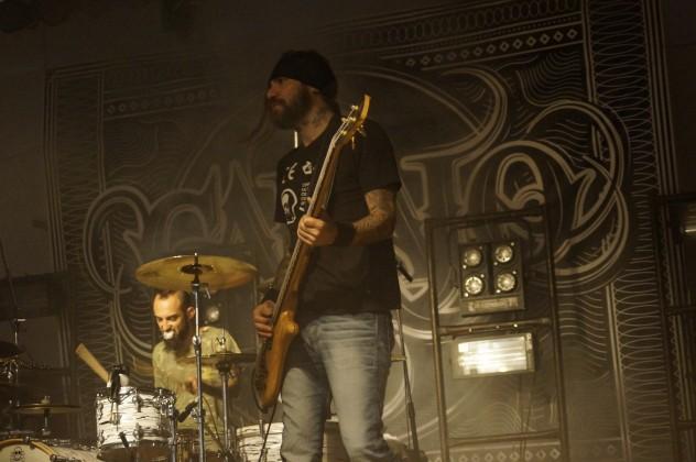 En 25 canciones elegidas por el público Carajo trajo el Néctar de su rock a Misiones