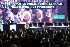 Scioli destacó el rol de la infraestructura en jornada de obra pública provincial