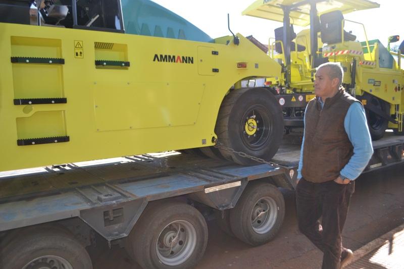 Aguirre resaltó llegada de la maquinaria vial como un regalo para los eldoradenses en este 96° aniversario