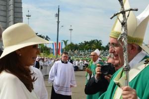Cristina asistió junto a Raúl Castro a la histórica misa celebrada por el Papa en La Habana