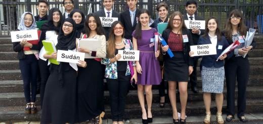 Estudiantes misioneros protagonizan la réplica de un debate de Naciones Unidas