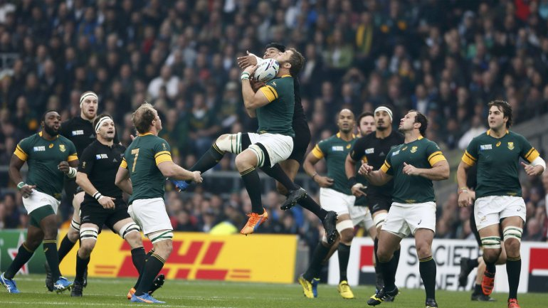 Los All Blacks vencieron a Sudáfrica y son los primeros finalistas del Mundial