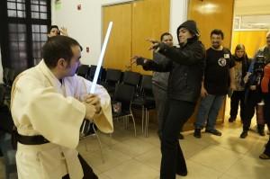 """Los fanáticos misioneros de Star Wars se sumaron al """"Reads Day"""" en la ex estación de Posadas"""
