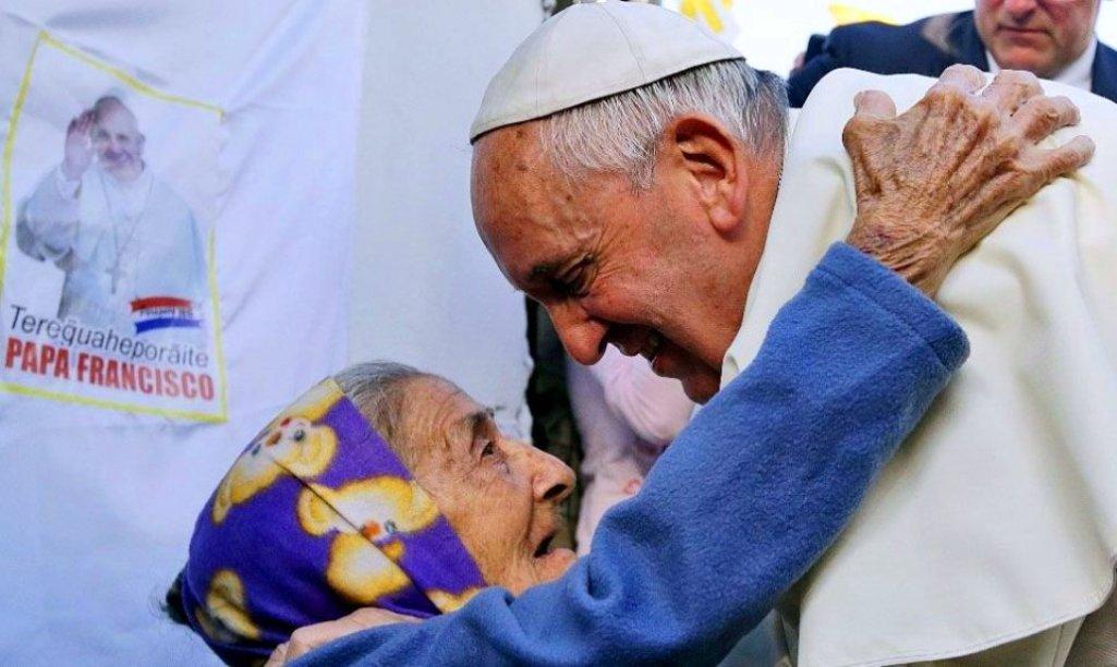 El Papa tildó de «acto deplorable» la sustracción de documentos reservados