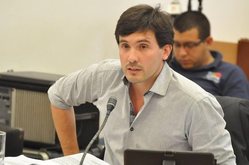 """Arjol: """"Con la descentralización vamos a llevar el municipio a los barrios"""""""