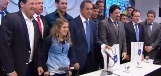 Scioli y Closs firmaron un compromiso junto a deportistas y autoridades del Comité Olímpico argentino