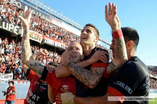 Colón derrotó a Arsenal en su lucha por mantener la categoría