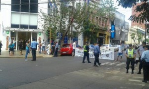 Gremio de farmacéuticos protestó en Misiones por incumplimientos de Farmacity y Farmar al convenio colectivo