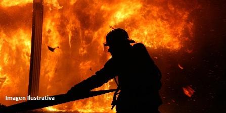 Incendio dejó daños materiales en un a vivienda