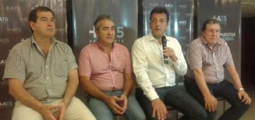 """Massa junto a Puerta: """"Hay que pensar si queremos cambiar o volver a los 90 de Menem y Cavallo"""""""