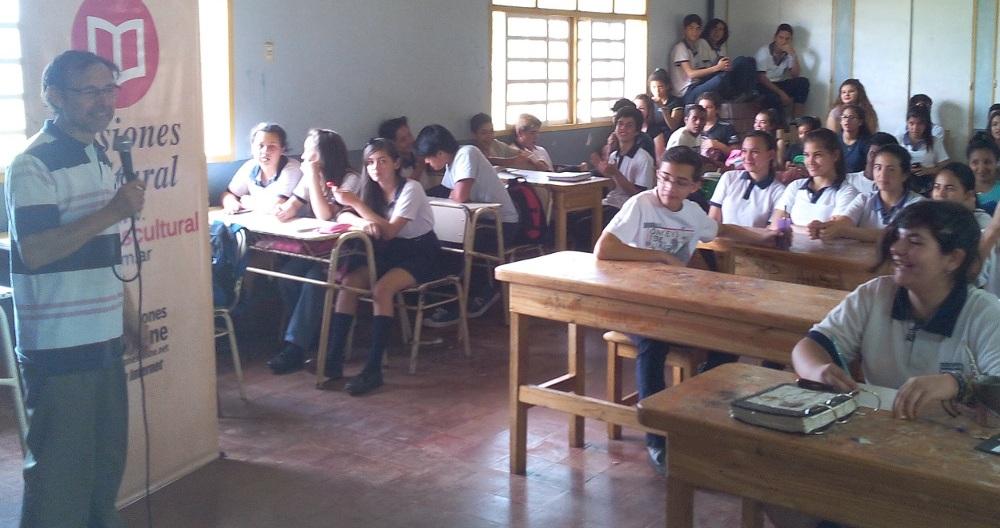 Misiones Cultural incluirá textos de estudiantes secundarios
