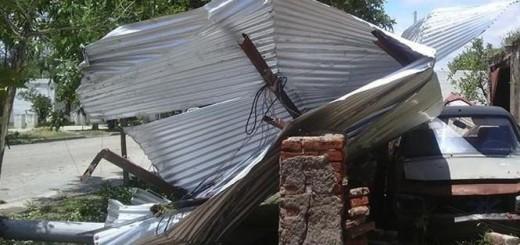 Un fuerte temporal y la cola de un tornado, afectaron a municipios de Corrientes
