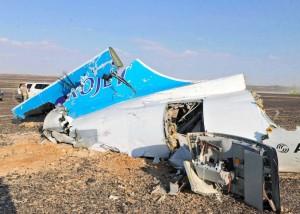 Recuperaron una caja negra y 129 cuerpos del avión ruso derribado en Egipto