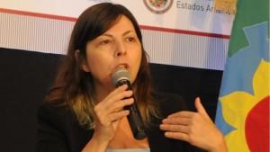 """Ministra de Economía de Scioli afirmó que con un dólar como plantea Macri: """"Todo aumentaría un 50%"""""""