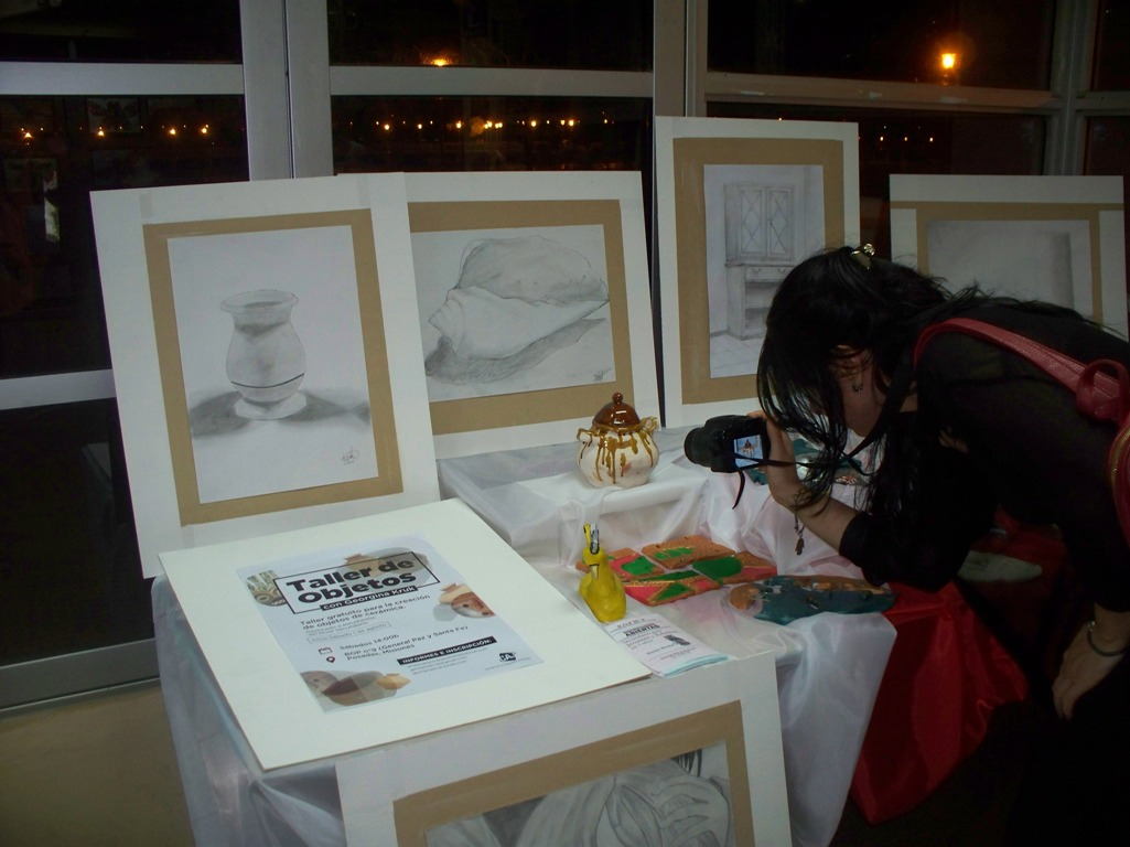 Estudiantes del BOP Nº 9 exponen trabajos en cerámica, pinturas y esculturas en el Multicultural