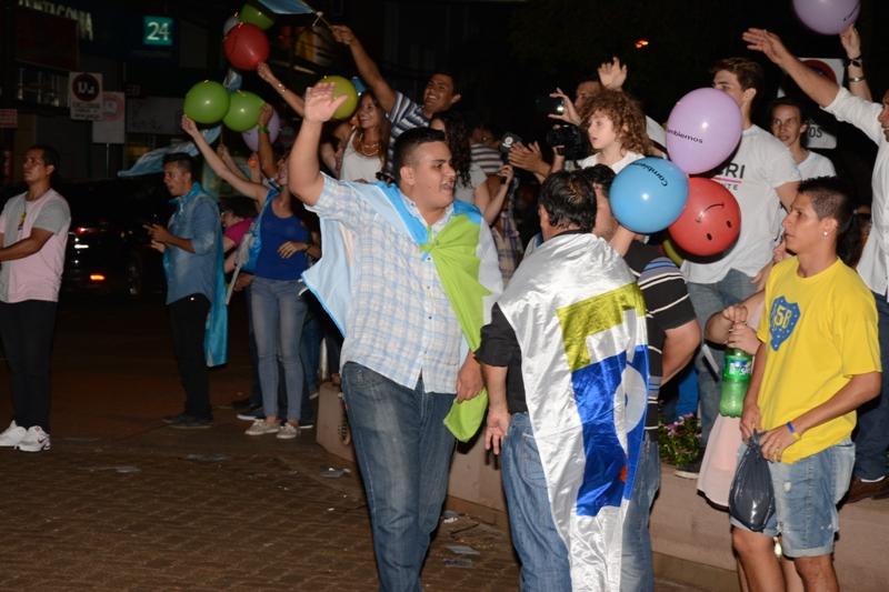 Caravana de globos y euforia del Pro en el centro de Posadas