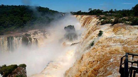 Las Cataratas del Iguazú tienen un caudal impresionante