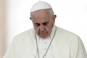 """Tras los atentados en Francia, Francisco condenó """"enérgicamente la violencia, que no puede resolver nada"""
