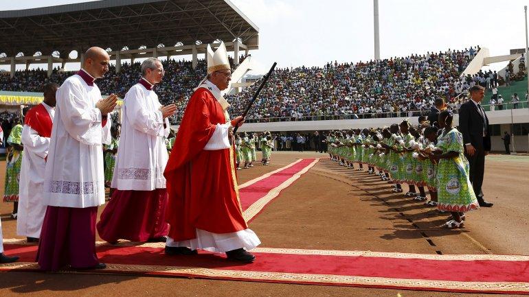 El papa Francisco cerró su gira por África: «Cuánto actúa el demonio en momentos de odio y de guerra»