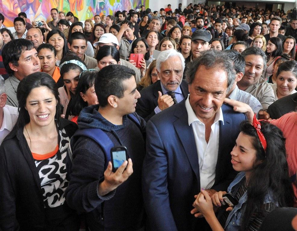 """Scioli: """"Soy quien garantiza la continuidad de YPF en manos del Estado y de las provincias"""""""