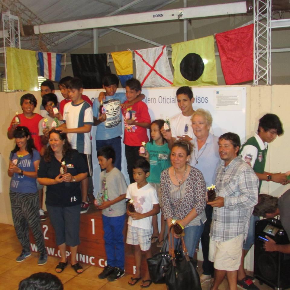 El YCP premió anoche a los ganadores de las regatas y a los chicos de la Chacra 181 que se sumaron a la pasión por navegar