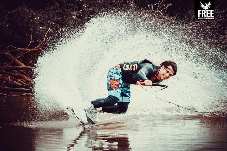 Wakeboard una opción diferente de disfrutar del agua en el verano