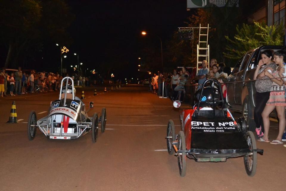 Los autos eléctricos corrieron en Aristóbulo del Valle