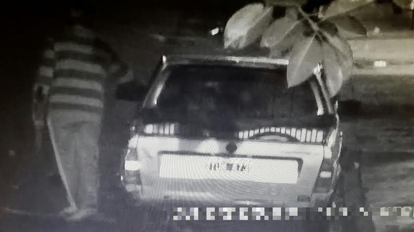 San Vicente: estaban robando un auto y los atraparon con las manos en la masa