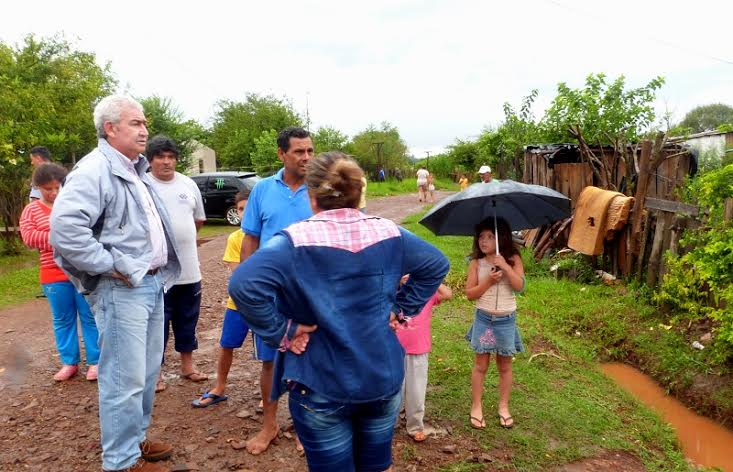 Posadas: el Gobierno Municipal asistió a vecinos del Barrio Los Paraísos tras las intensas lluvias