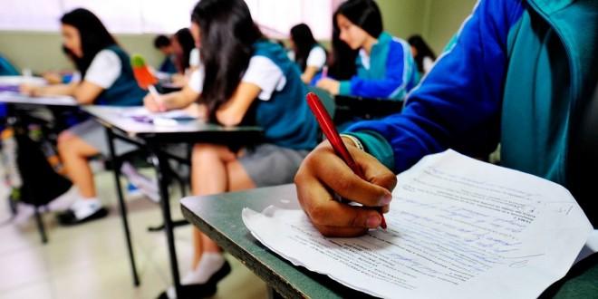"""Exámenes de diciembre: """"Quienes asisten a las tutorías han logrado excelentes resultados"""", dijo Ledesma"""