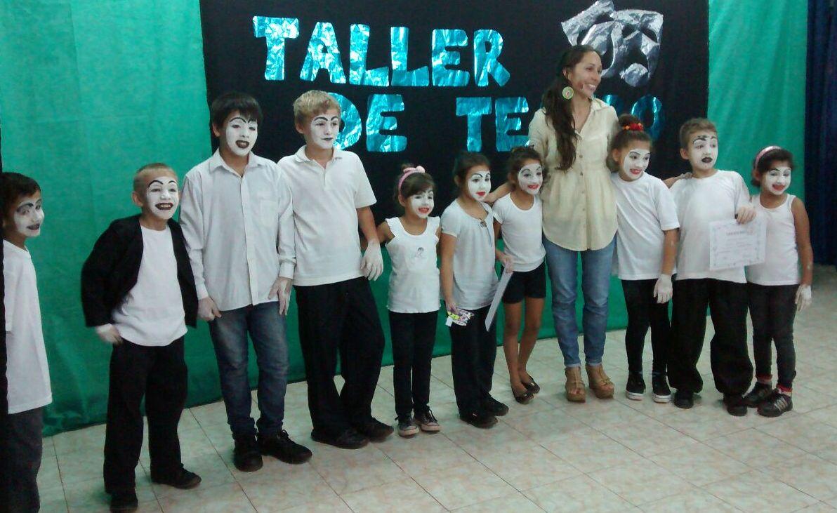 Se realizó la muestra anual del Taller de Teatro municipal de Andresito