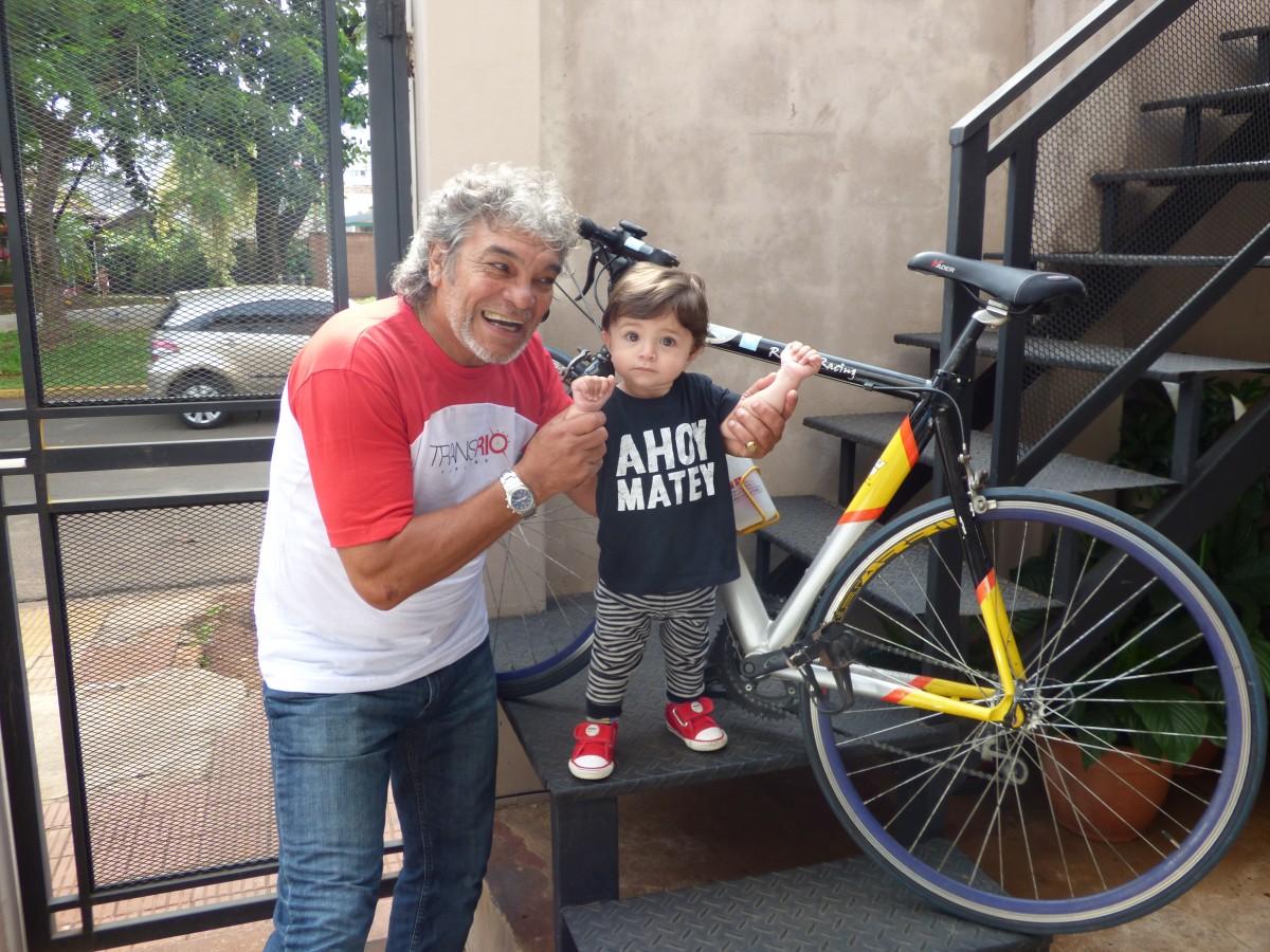 Peregrinos en bicicleta: La historia de José que hace 21 años pedalea honrando a la virgen de Itatí