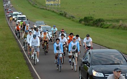 Miles de ciclistas misioneros fueron a honrar a la Virgen de Itatí