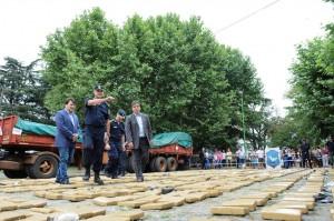 Detuvieron a tres misioneros con tres toneladas de marihuana escondidas en un camión de cunas