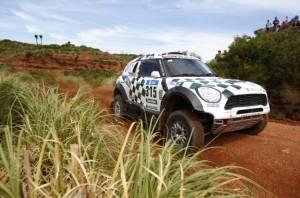 Loeb mostró sus atributos y ganó la etapa del Dakar