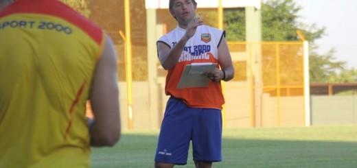"""Pico Salinas se arregla con lo que hay, pero avisa: """"Tengo 13 o 14 jugadores, los demás son chicos"""""""